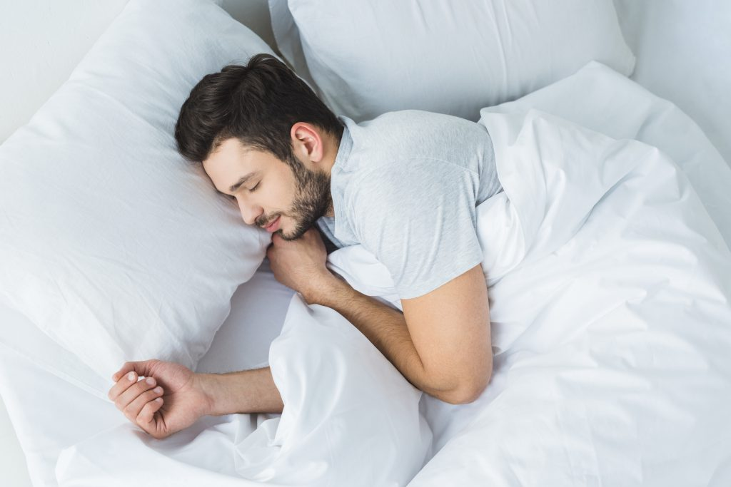 Tips For Side Sleepers To Choose The Right Mattress And Pillow