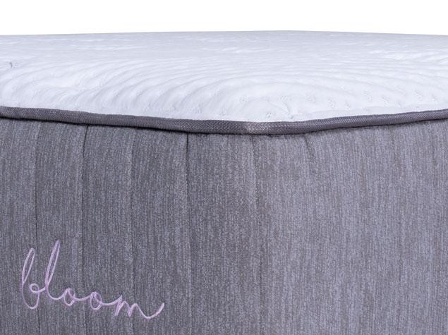 Bloom Hybrid Mattress - Corner Close Up